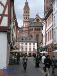 P4100171 in der Mainzer Altstadt am Dom