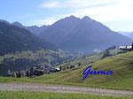PA221461  im Kleinenwalsertal -  Blick auf Mittelberg vom Cafe Walserblick aus