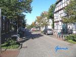 P9200004 Strasse zur Strandpromenade in Steinhude am Steinhuder Meer