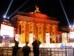 Pb070644 am 7.011.09 am Brandenburgen Tor zur Feier des Mauerfalls vor 20 Jahren.