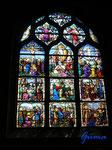 P4170258 farbige Fenster in der Kirche Saint Aignan in Chartres/Frankreich
