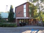 P9190023  Das Deutsche Erdölmuseum Wietze befindet sich in 29323 Wietze, einer Gemeinde westlich von Celle im Landkreis Celle (Niedersachsen). Es wurde auf einem Teil des ehemaligen Erdölfeldes Wietze eingerichtet