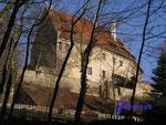 1-112-112019 Der Pallas der Hornburg. So alt dieses Gebäude auch wirkt, es wurde erst in den 20er Jahren des vorigen Jahrhunderts von Bodo Ebhard so aufgebaut.