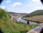 P4110101 Blick vom  Turm  der Hinterburg auf den Neckar unterhalb von Neckarsteinach  im Hessischen Neckartal