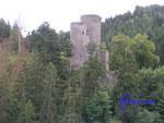 P8200021 Die Frauenburg ist eine mittelalterliche Burgruine südlich von Sonnenberg-Winnenberg und Frauenberg im Landkreis Birkenfeld in Rheinland-Pfalz