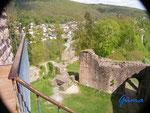 P 4110111 Blick vom Turmeingang  der Hinterburg auf Neckarsteinach im Hessischen Neckartal.