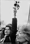 21 mai 1981 - Rue Soufflot - François Mitterrand remonte à pied la rue, en direction du Panthéon