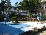 須磨寺境内の熊谷直実と平敦盛像