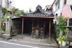 芥川水門脇の地蔵堂