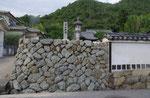 香登大内神社内の一里塚跡(南)