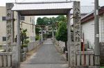 川辺の艮御崎神社門柱