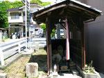 福泊神社前地蔵堂