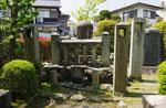 今井兼平の墓
