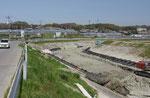 護岸補強工事中の伊川、前開付近
