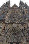 Rosettenfenster über dem Eingang des St. Veit Doms