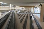 Einen Blick in den Schattenbahnhof: Nun alle Gleise verlegt, mit Strom versorgt und in Blöcke aufgeteilt.