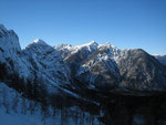 Der Blick zurück nach Nordwesten zum Mittagskofel (2087m)