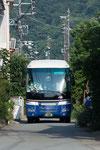 バスは伊勢市二見町の旅館街を抜けて