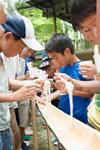 昼食は「流しそうめん」青竹で地元の方が作ってくれました
