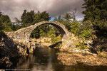 die älteste Brücke der Highlands in Carrbridge