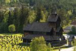 In der Umgebung der Hardangervidda findet man mehrere Stabkirchen.