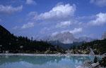Der Lago del Sorapiss mit den Südabstürzen der Ciadinigruppe und der Drei Zinnen © Rosenwirth
