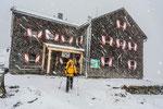 Glorer Hütte im Schneetreiben © Rosenwirth