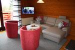Wohnbereich mit Flat-TV....
