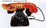 Salvador Dali Téléphone-homard ou Téléphone aphrodisiaque, 1936, téléphone avec combiné en forme de homard en plâtre 18 x 12,50 x 30,50 cm.