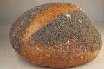 Überraschungsbrot  (Mischbrot aus Roggen-, Weizen-, Dinkel- und Kamutvollkornmehl),  mit Sauerteig und Backferment