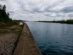 Der Kanal bei Port Colborne - kurz nach dem Eriesee