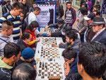 ….Schachspieler am Strassenrand…..