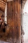 ...Tür aus Kateenholz...