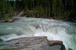 Her verschwindet der riesige Athabascar River in einer schmalen Schlucht