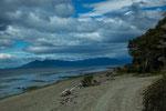 ...Strasse teilweise über den Strand - hier war Ende für uns...