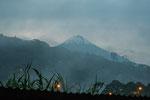 Der 5.230 m Vulkan Sangay von Macas aus fotografiert....