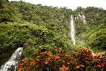 ....Wasserfälle am Fussweg zum 2. Thermalbad.....