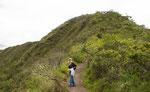Der toll ausgebaute Wanderweg für entlang des Kraters....