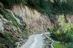 ....und miserable Strassen mit vielen Erdrutschen....