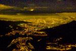 ....ein letzter Blick auf Medellin bei Nacht.