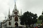 Manizales besitzt viele schöne Kirchen - diese wirkt orthodox....