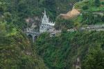 Neugotische Wallfahrtskirche liegt tief im Canyon versteckt....