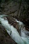 Das Wasser erreicht eine sehr hohe Fließgeschwindigkeit