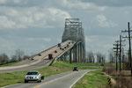 Extrem steile Brückenkonstruktionen - hier über den Mississippi
