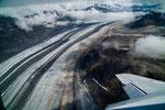 ....die der Gletscher mit ungeheuren Kräften mit sich reisst....
