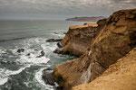 Riesige Wellen formten die Küste über Jahrmillionen....