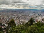 …..die 2.645 m hoch gelegene 8 Millionenstadt liegt uns zu Füssen…..