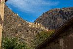 ...die Ruine hoch oben am Berghang...