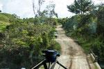 ....zwang uns zu einem 50 km Umweg auf diesem Feldweg....