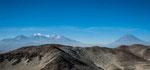 """...und rechts der Vulkan """"Misti"""""""